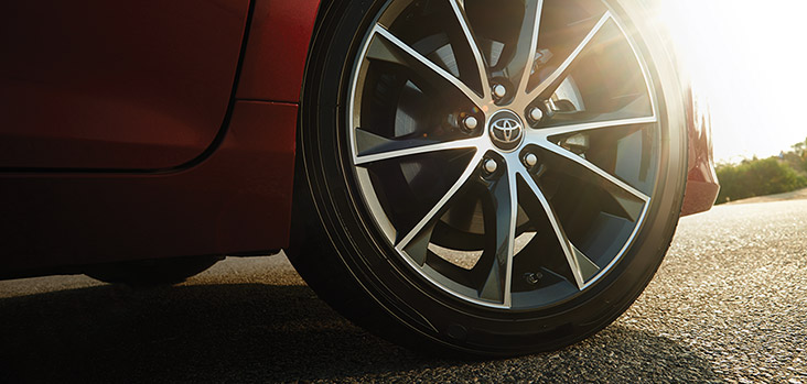 canada-2016-camry-alloy-wheels